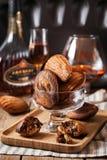 Czarny i biały marmurkowaci madeleines ciastka zdjęcia stock