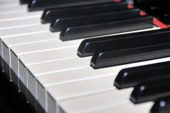 Czarny i biały pianino klucze zdjęcia royalty free