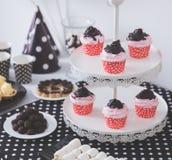 Czarny I Biały przyjęcie urodzinowe dekoracja Zdjęcie Stock