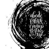 Czarny i biały ręki literowania abecadła projekt na szczotkarskim uderzeniu s Fotografia Royalty Free