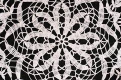Czarny i biały szydełkowy tło Obrazy Royalty Free