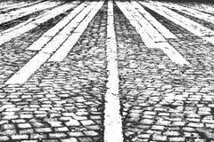 Czarny i biały tło, abstrakt, ceglana droga obraz royalty free