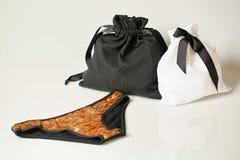 Czarny i biały tkaniny torba zdjęcia stock