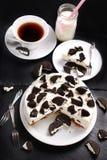 Czarny i biały cheesecake Zdjęcia Royalty Free