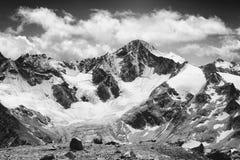 Czarny i biały góra Zdjęcia Stock