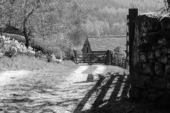 Czarny I Biały gospodarstwo rolne dom Zdjęcia Royalty Free