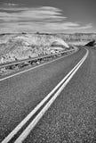 Czarny i biały obrazek pusta droga Zdjęcia Stock