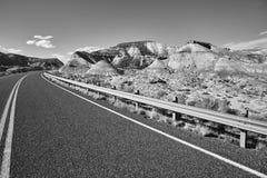 Czarny i biały obrazek sceniczna droga Fotografia Stock