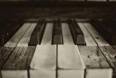 Czarny i biały pianino klucze zdjęcie royalty free