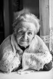 Czarny i biały portret stara kobieta Fotografia Stock