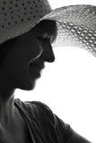 Czarny i biały sylwetka kobieta w lato kapeluszu Obrazy Royalty Free