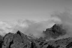 Czarny i biały szczyt madera, Portugalia zdjęcie royalty free