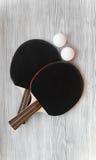 Czarny kant dla śwista pong balowego drewnianego tła odgórnego widoku Zdjęcia Stock