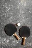 Czarny kant dla śwista pong balowego szarego tła odgórnego widoku Zdjęcie Stock