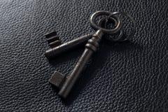 czarny klucze leather dwa Obraz Royalty Free