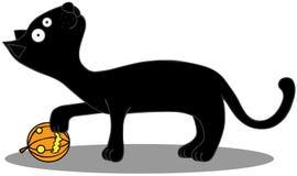 Czarny kot bawić się z dyniową piłką ilustracja wektor