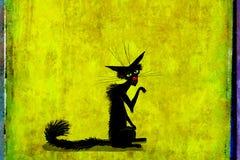 Czarny kot z Nastroszoną nogą na Zielonym tle Obrazy Royalty Free