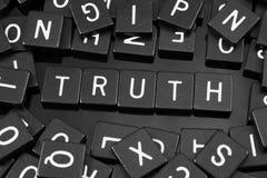 Czarny list tafluje literować x22 & słowo; truth& x22; obrazy royalty free