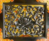 Czarny Lotus na Złocistej Drzwiowej dekoraci Obraz Stock