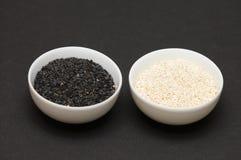 czarny materiał siewny sezamowego white Zdjęcie Royalty Free