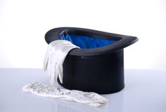 Czarny odgórny kapelusz z białymi rękawiczkami Zdjęcie Royalty Free
