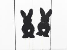 czarny papierowy Wielkanocny królik na białym tle Obrazy Stock
