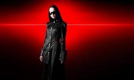 czarny peleryny goth kobieta Zdjęcie Stock