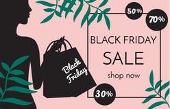 Czarny Piątek sprzedaży sztandar z modnej kobiety sylwetki mienia torba na zakupy na różowych tła i zwrotnika liściach ilustracja wektor