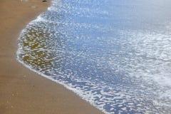 czarny piasek na plaży fotografia stock