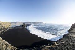 Czarny Plażowy Vik obrazy stock