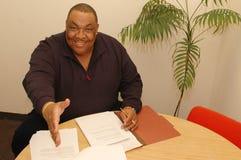 czarny przyjazny człowiek urzędu Fotografia Stock