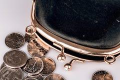 Czarny rocznika portfel, monety odizolowywający na bielu i Obraz Royalty Free