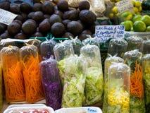 czarny składników sałaty oliwek sałatkowi kłapnięcia sugar pomidoru Fotografia Stock