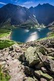 Czarny Staw Gasienicowy i sommar, Tatras, Europa Arkivfoto