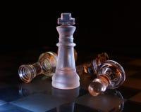 czarny szachowy szklany królewiątko Obrazy Stock