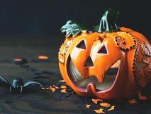 Czarny tło z Halloweenowymi wakacyjnymi symbolami Zdjęcie Royalty Free