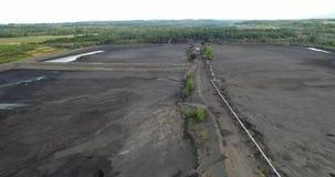 Czarny węgiel pyta, eliminacja żniwo czerń – widoku z lotu ptaka coalmining zdjęcie wideo