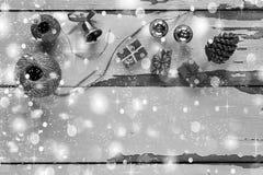czarny white Boże Narodzenia, tło, deska, pudełko, rożek, kopia, wystrój, dekoracja jedlinowa, świąteczny, prezent, wakacje fotografia royalty free
