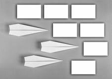 czarny white minimalista samolot, szkoły prześcieradło szkolny rozkład, puści majchery, notatki, błękitny tło projektanta ` s ukł zdjęcia royalty free