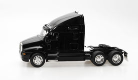czarny występować samodzielnie ciężarówka. fotografia stock