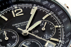 czarny zakończenia czarny zegarek obraz stock