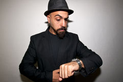 czarny zegarowy kurtki mężczyzna zegarek Obraz Stock
