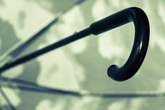 Czarny zielony parasolowy trzciny rękojeści zbliżenie Obraz Stock
