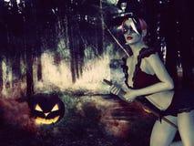 Czarownica w noc lesie Obrazy Stock