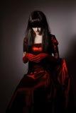 Czarownica wampir z czarnymi hairs Zdjęcia Royalty Free