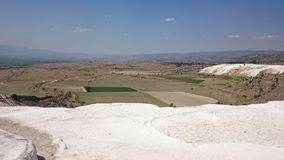 Czarujący Pamukkale basenów w Turcja, zawierają gorące wiosny i trawertyny, tarasy węglanowe kopaliny zapominać obok fotografia stock
