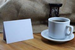 Czas kawa, kawowy kubek na stole i miejsce dla pisać, Obraz Stock