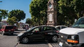 Czas?w podo?ki ruch drogowy i ludzie w Puebla zdjęcie wideo