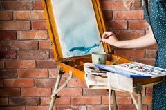 Czas wolny farby hobby rysunku obrazka pomysłowo sztaluga fotografia royalty free