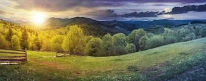 Czas zmiana nad wsi panorama obrazy stock